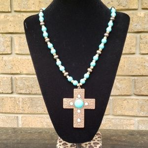 TRENDY COSTUME JEWELRY NECKLACE